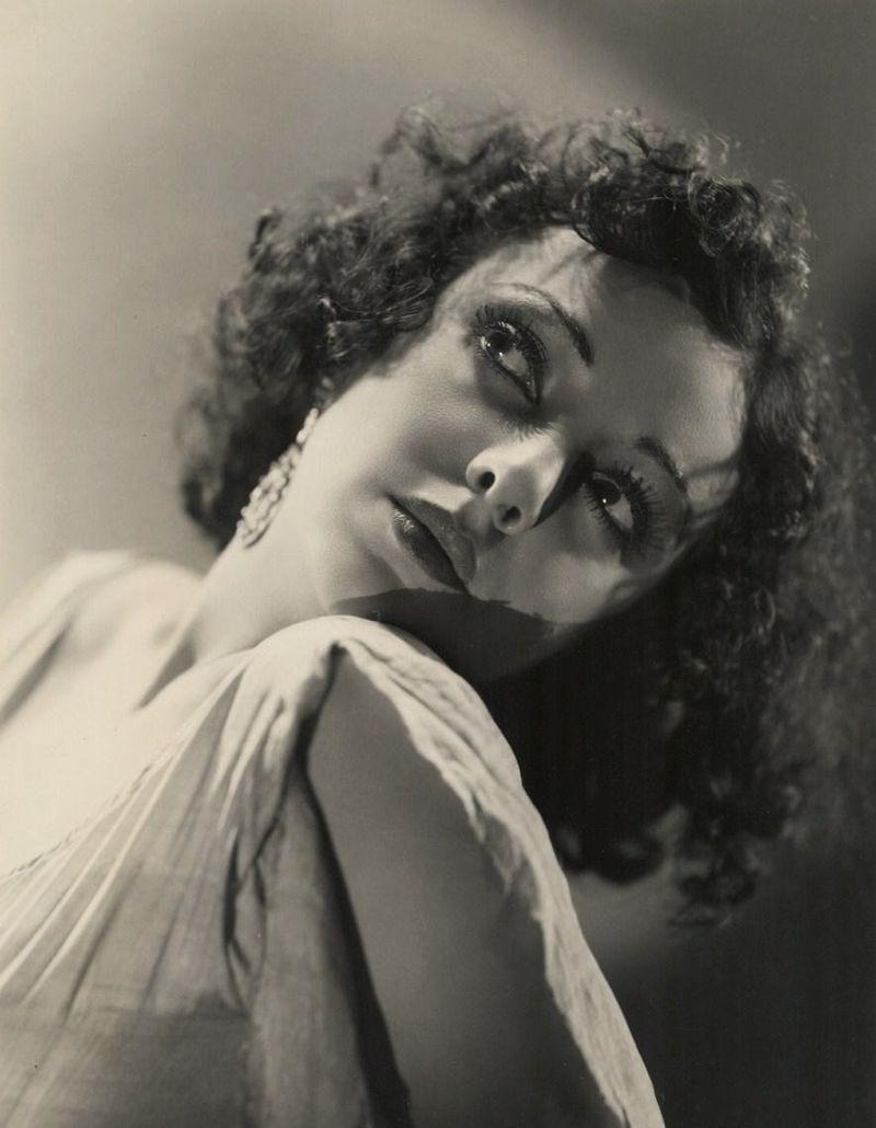 Nina Quartero in The Monkey's Paw (1933)