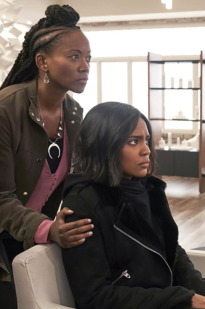 Erika Alexander and China Anne McClain in Black Lightning (2018)