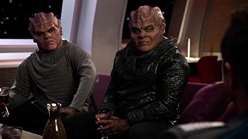 The Orville: The Moclans Teach Ed How To Play Latchcomb