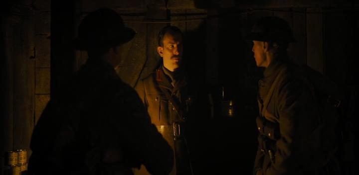 George MacKay, Pip Carter, and Dean-Charles Chapman in 1917 (2019)