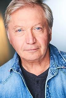 Warren Sweeney Picture