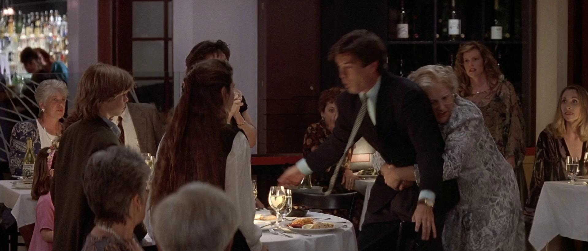 Pierce Brosnan, Robin Williams, Sally Field, Lisa Jakub, and Matthew Lawrence in Mrs. Doubtfire (1993)