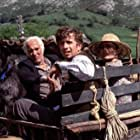 Icíar Bollaín, Gabino Diego, Federico Luppi, and Ana Padrão in La balsa de piedra (2002)