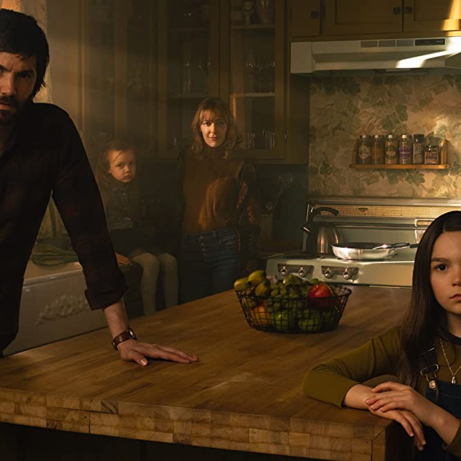 Jim Sturgess, Mila Morgan, Abby Miller, Kylie Rogers, and Brooklynn Prince in Home Before Dark (2020)