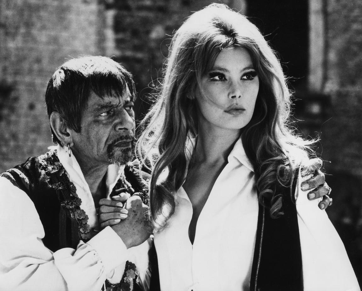 Alberto Sorrentino and Brigitte Skay in Isabella, duchessa dei diavoli (1969)