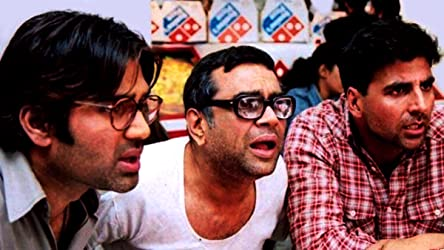Akshay Kumar, Paresh Rawal, and Sunil Shetty in Hera Pheri (2000)