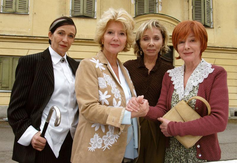 Christiane Hörbiger, Monika Peitsch, Tatja Seibt, and Heidelinde Weis in Neue Freunde, neues Glück (2005)
