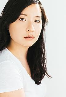 Anna Kim Picture