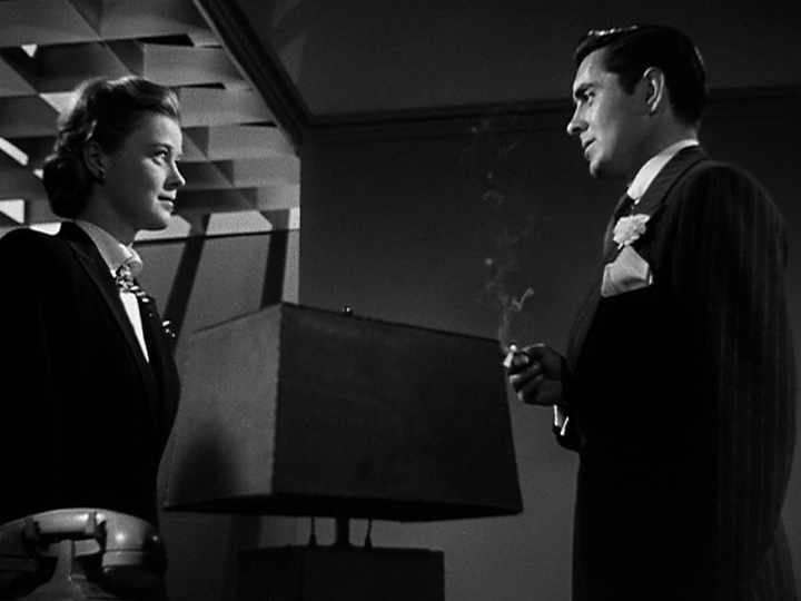 Tyrone Power and Helen Walker in Nightmare Alley (1947)