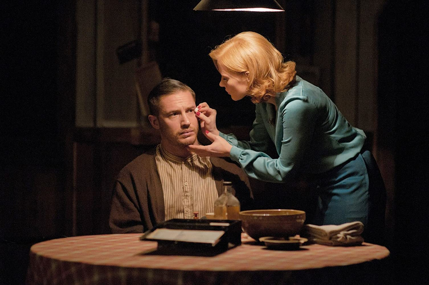 Tom Hardy and Jessica Chastain in Lawless (2012)