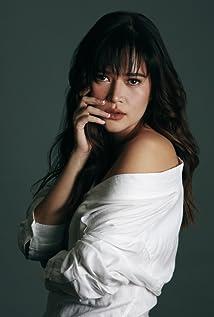 Bela Padilla Picture