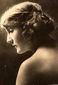 Primary photo for Doris Pawn