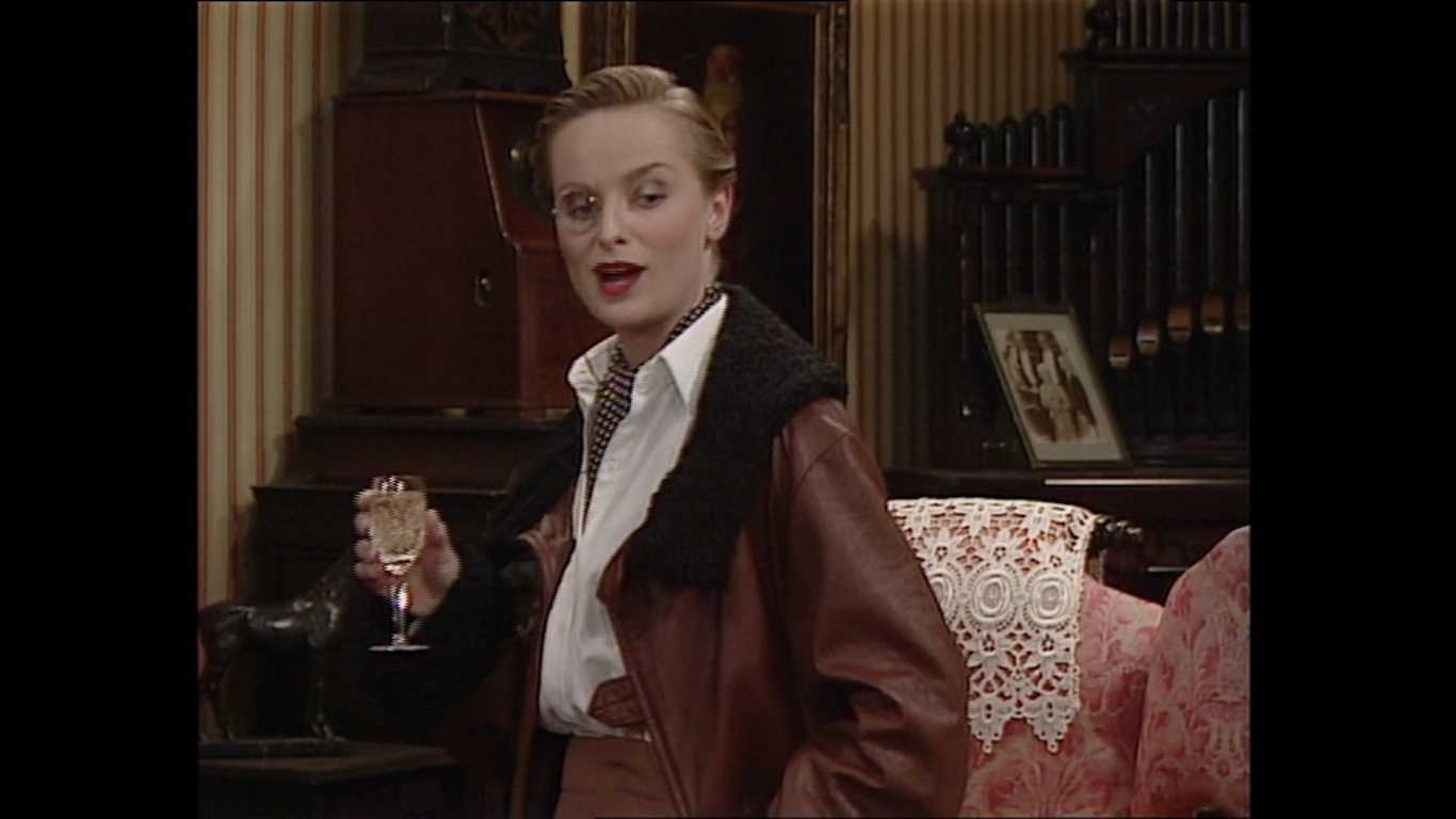 Barbara Livi,Ella Hall Sex video Ethel Jackson,Simple Kaul 2001