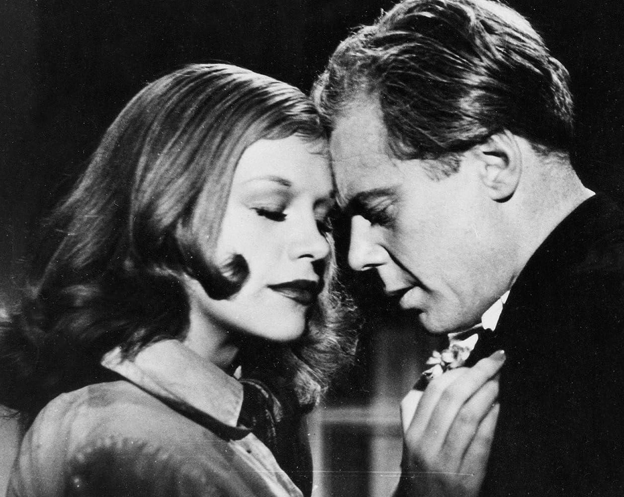 Marius Goring and Hildegard Knef in Nachts auf den Straßen (1952)