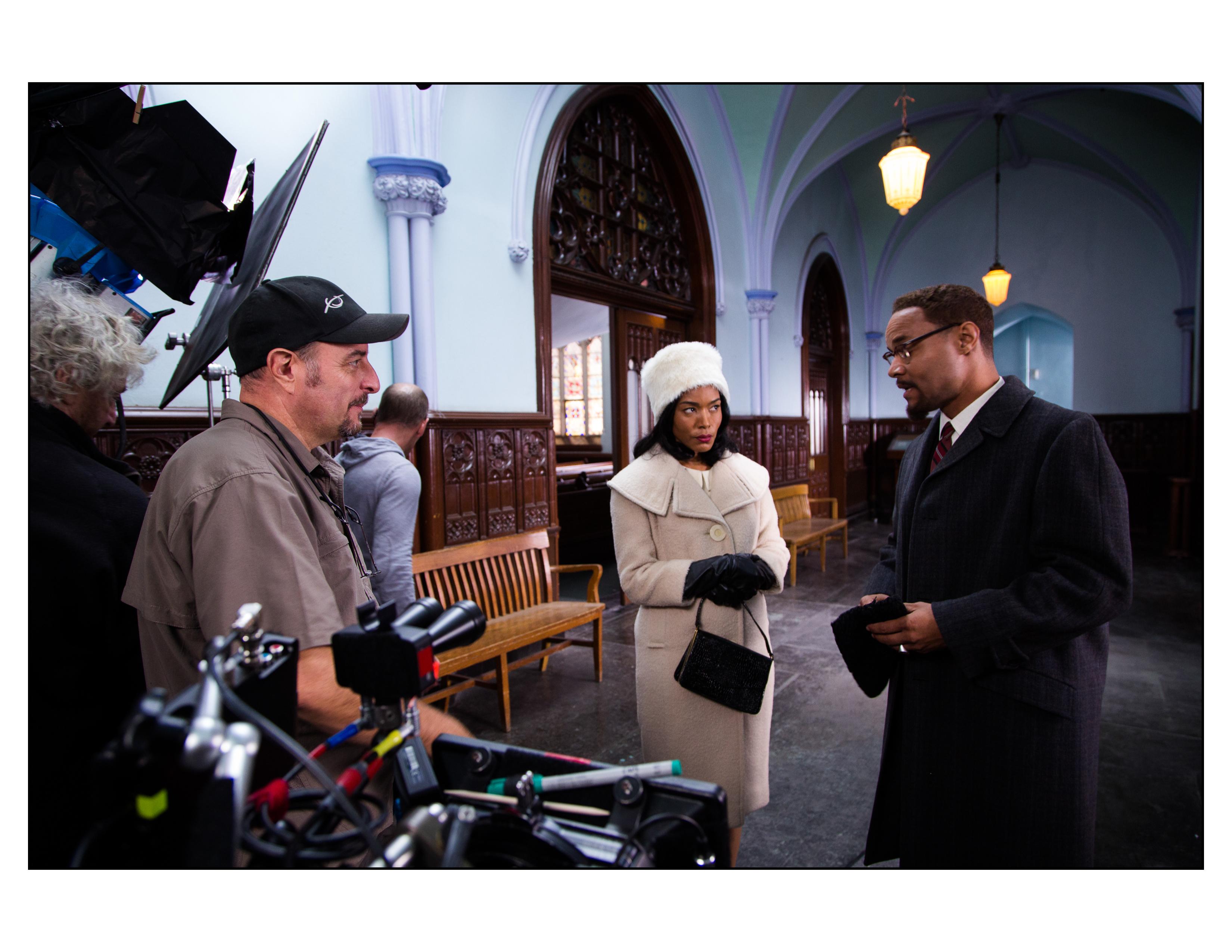 Behind the scenes on set of Betty & Coretta. With Lindsay Owen Pierre (Malcom X), Angela Bassett (Coretta King) and director Yves Simoneau