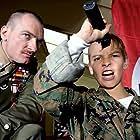 Ben Temple and Fergus Riordan in De mayor quiero ser soldado (2010)