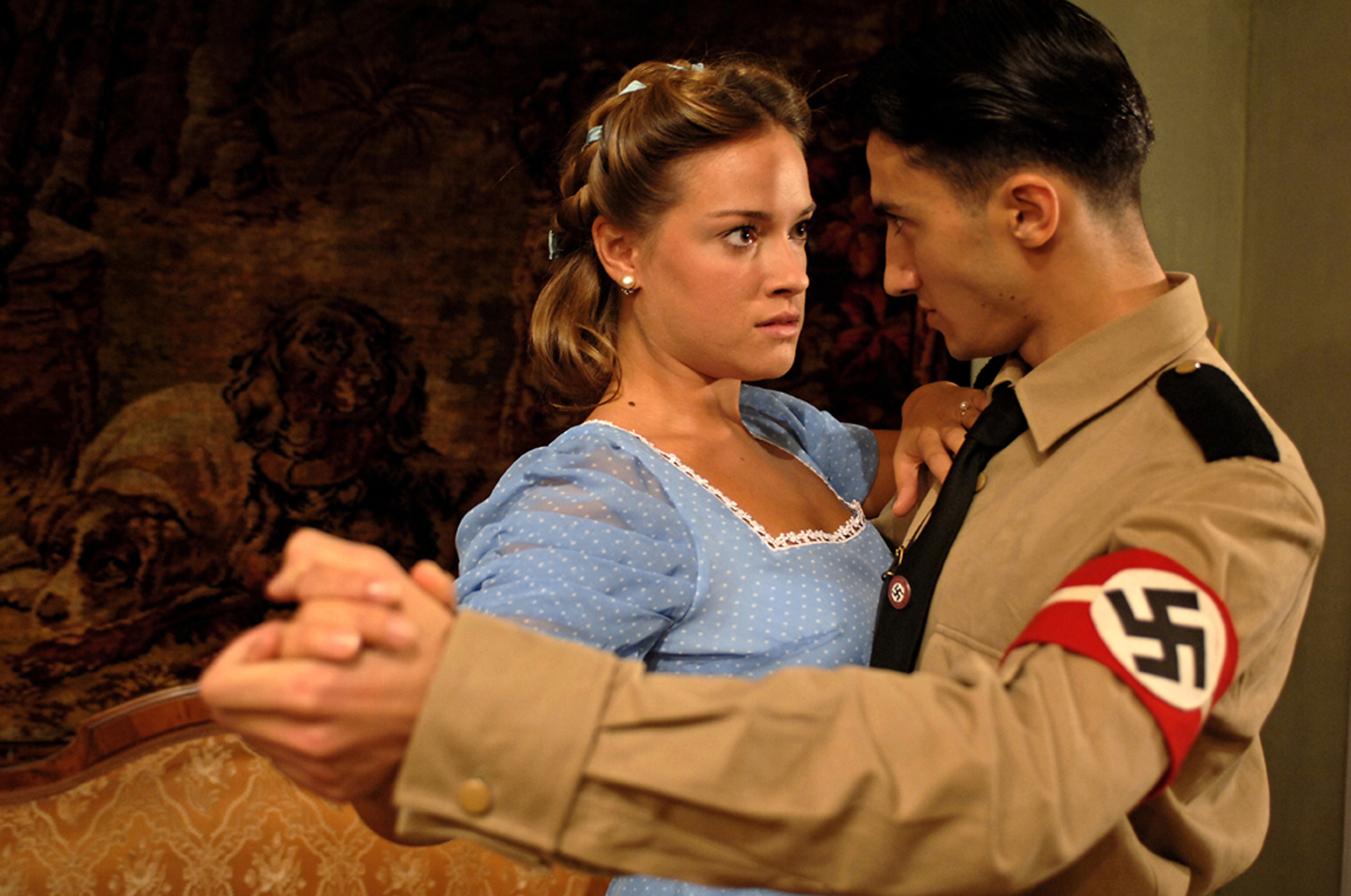 Alicja Bachleda and Axel Moustache in Der geköpfte Hahn (2007)