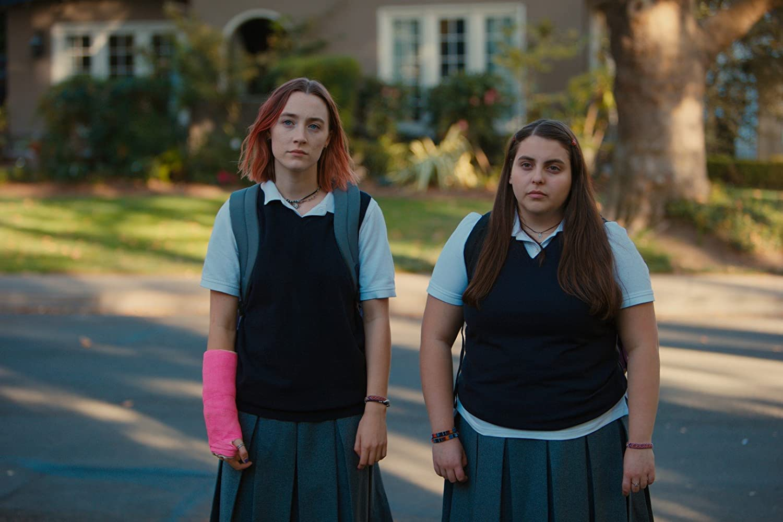 Saoirse Ronan and Beanie Feldstein in Lady Bird (2017)