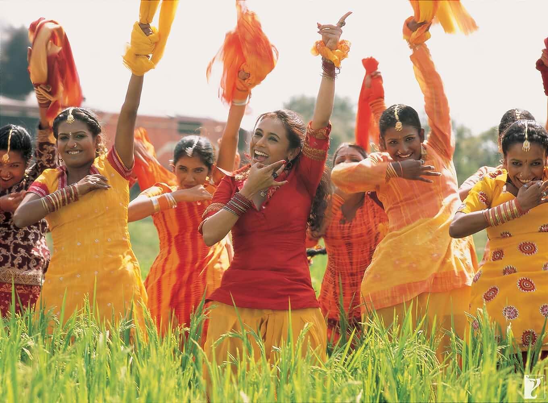 Download Bunty Aur Babli (2005) Hindi Movie Bluray