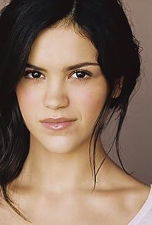Victoria Moroles Picture