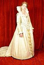 Dressing a Renaissance Queen