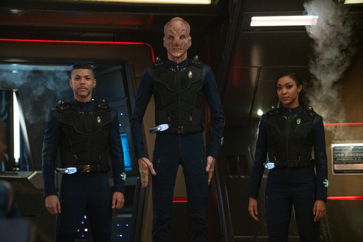 Wilson Cruz, Doug Jones, and Sonequa Martin-Green in Star Trek: Discovery (2017)