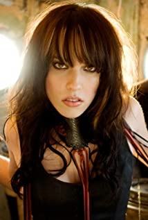 Lzzy Hale Picture