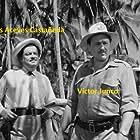 Luis Aceves Castañeda and Víctor Junco in La fièvre monte à El Pao (1959)