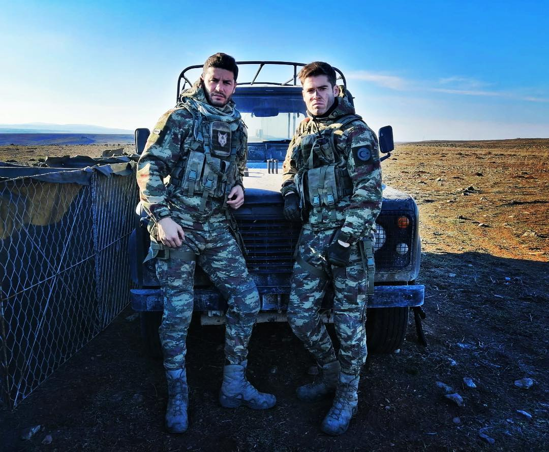Berk Oktay and Ali Tarik Findik in Savasci (Warrior) (2017)