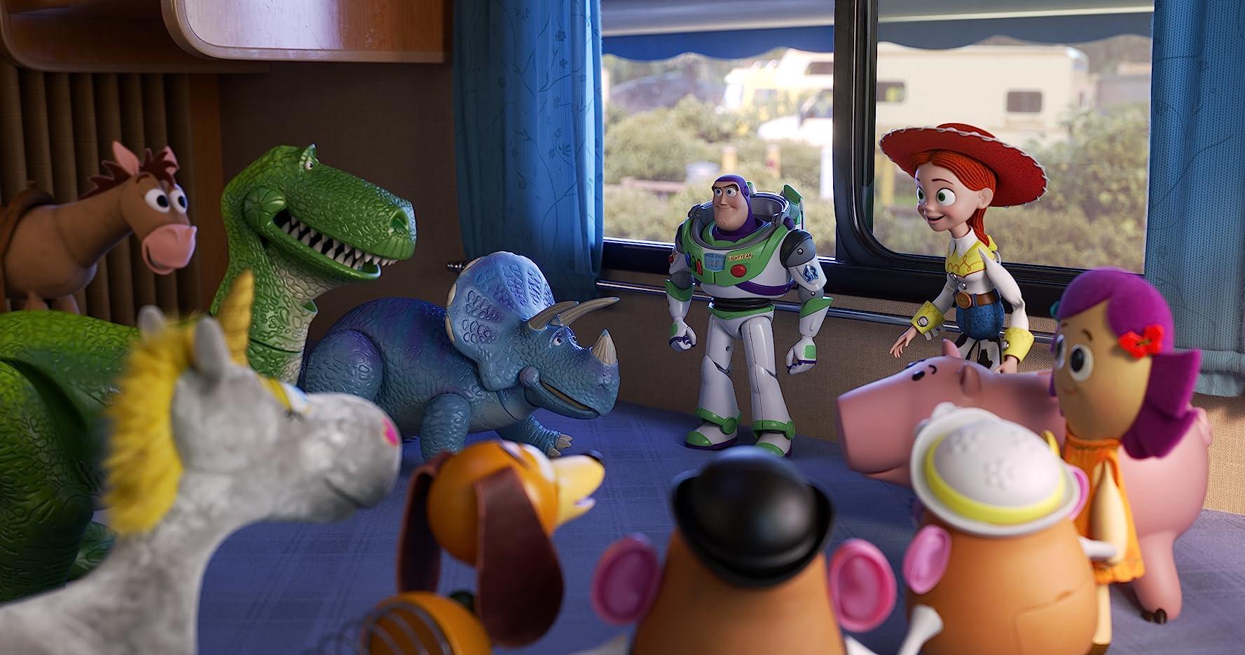 Joan Cusack, Tim Allen, Bonnie Hunt, John Ratzenberger, Wallace Shawn, Blake Clark, Jeff Garlin, and Kristen Schaal in Toy Story 4 (2019)