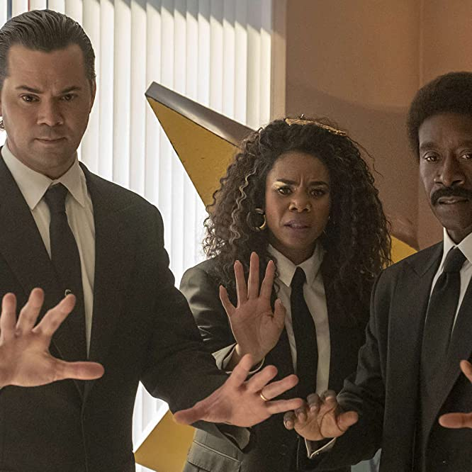 Don Cheadle, Regina Hall, and Andrew Rannells in Black Monday (2019)