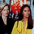 Laura Gemser and Karin Schubert in Emanuelle - Perché violenza alle donne? (1977)