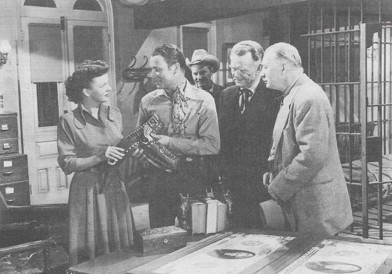 Roy Rogers, Pat Brady, Dale Evans, Edward Keane, and Harry Strang in Twilight in the Sierras (1950)