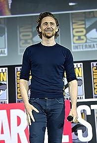 Primary photo for Tom Hiddleston