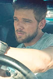 Max Thieriot Picture