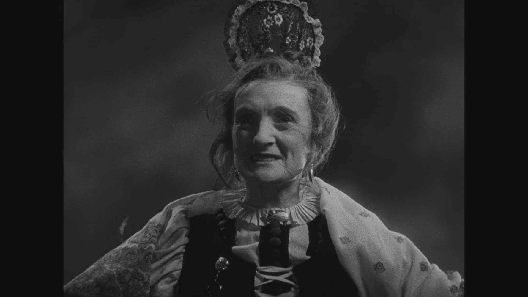 Una O'Connor in Bride of Frankenstein (1935)