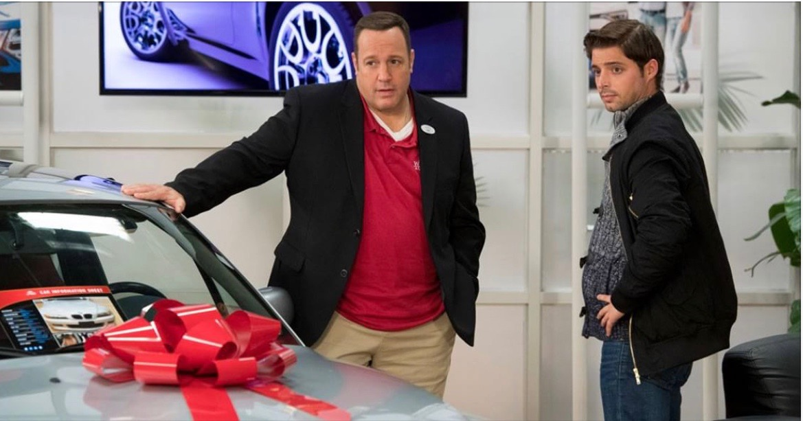 Kevin James and Billy Peck in Kevin Can Wait (2016)
