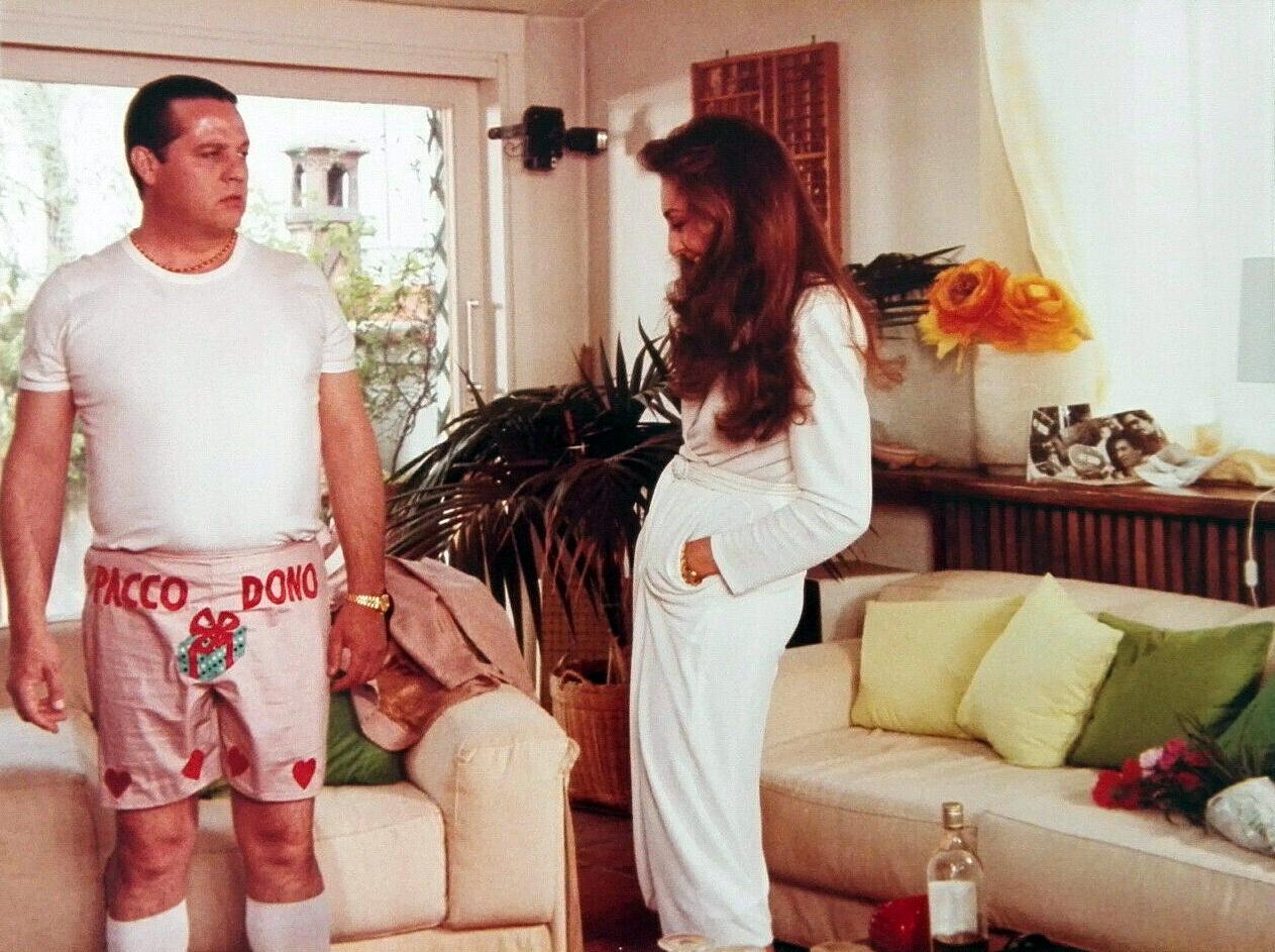 Maria Rosaria Omaggio and Renato Pozzetto in Culo e camicia (1981)