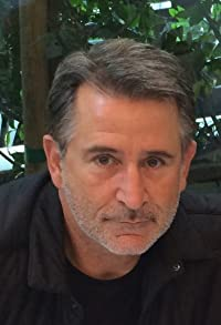 Primary photo for Anthony LaPaglia