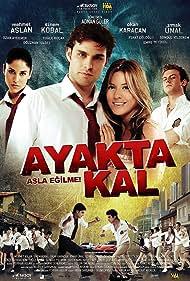 Sinem Kobal and Mehmet Aslan in Ayakta kal (2009)