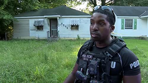 First Responders Live: Officer Thornton Gives Updates On A Crime Scene