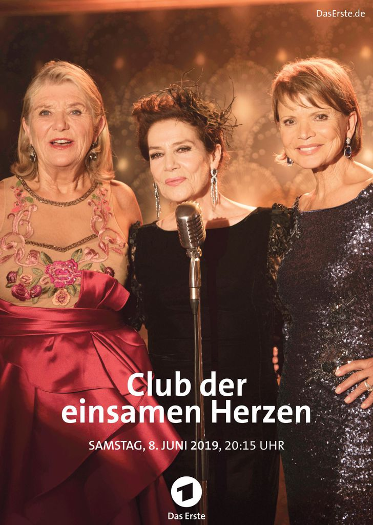 Hannelore Elsner, Uschi Glas, and Jutta Speidel in Club Of The Lonely Hearts (2019)