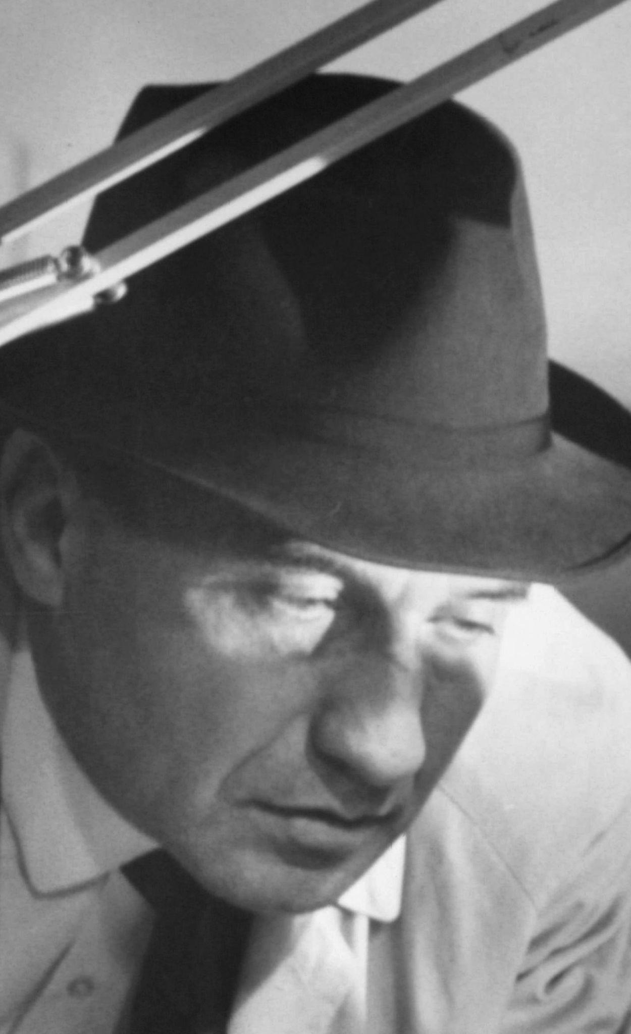 Walter Gotell (1924–1997) b9526b220e90