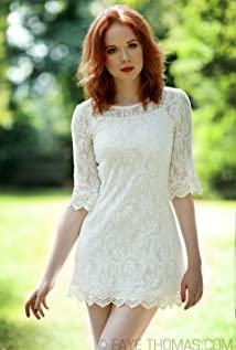 Zoe Boyle Picture