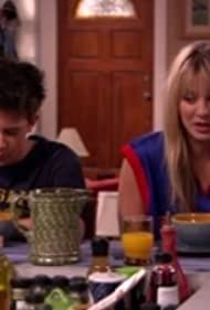 Kaley Cuoco, Amy Davidson, and Martin Spanjers in 8 Simple Rules... for Dating My Teenage Daughter (2002)