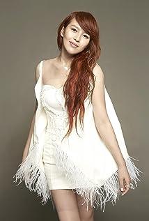 Esther Liu Picture