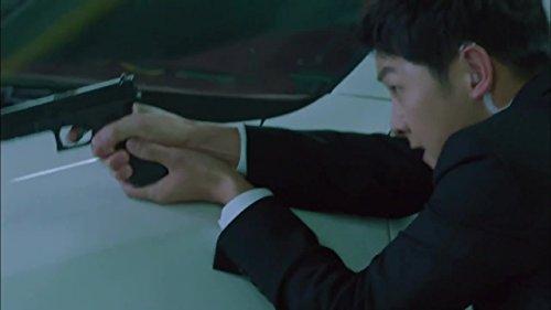Song Joong-Ki in Descendants of the Sun (2016)