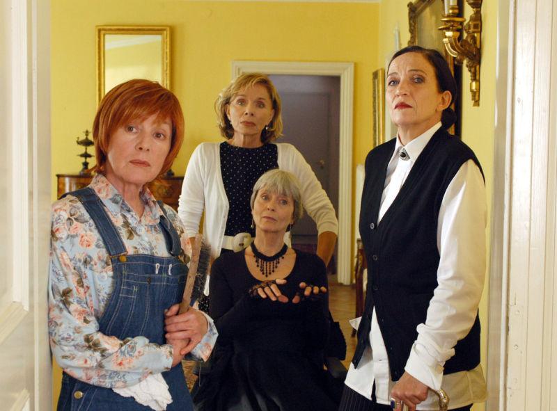 Kornelia Boje, Monika Peitsch, Tatja Seibt, and Heidelinde Weis in Neue Freunde, neues Glück (2005)