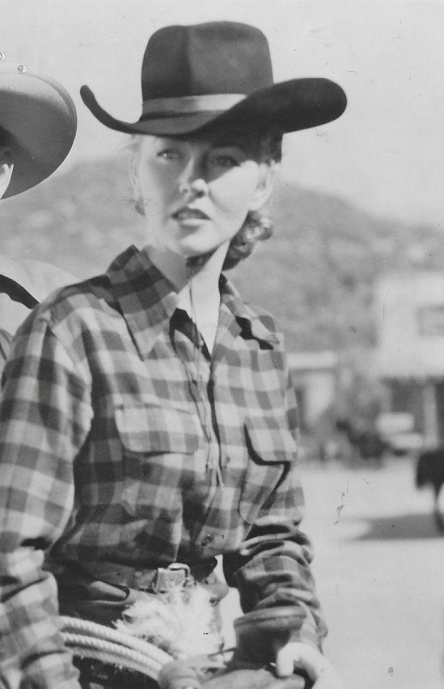 Lois Hall in Colorado Ambush (1951)