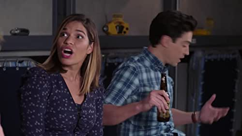 Superstore: And Kelly Makes Three